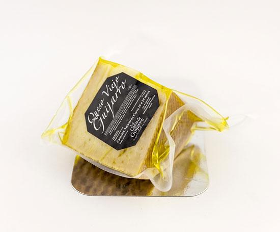 Queso Curado en Aceite de Oliva . ¼ Pieza grande  Aprox 0.750Kg